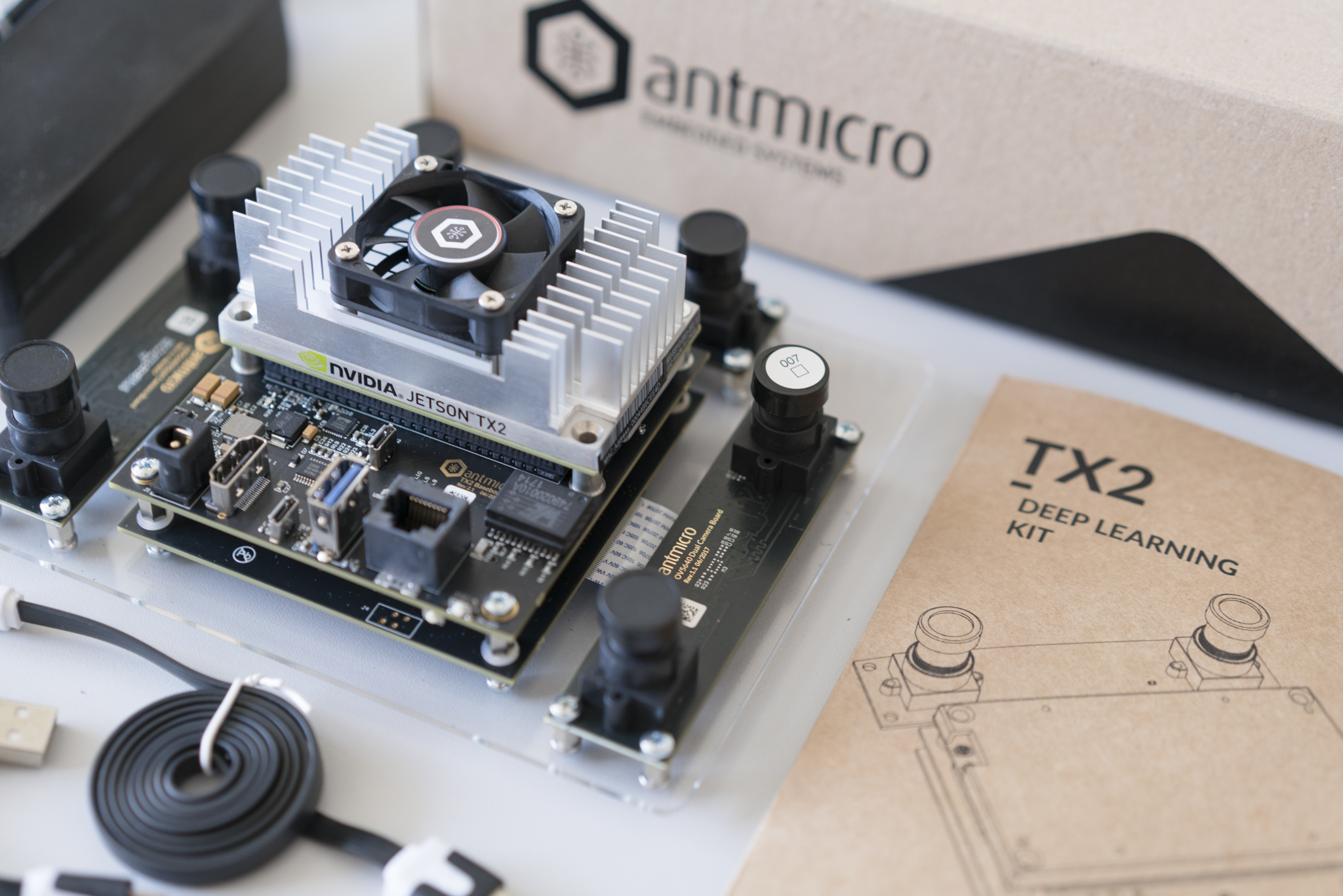 Antmicro TX1/TX2 Deep Learning Kit box